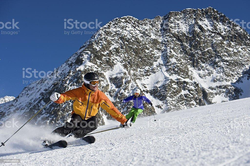 Skilehrer in eine Skulptur curve – Foto