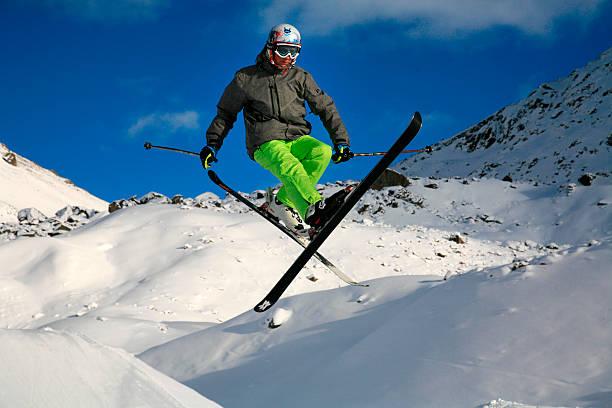 Ski Jump, Snowpak, Ischgl, Tiroler Alpen, Österreich. – Foto