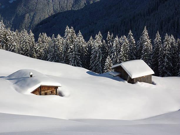 Ski-lodge im winter Landschaft der österreichischen Alpen – Foto