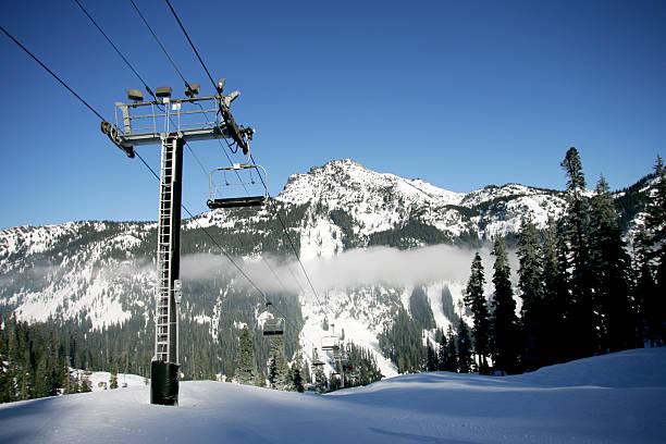 ski mountain - snoqualmie foto e immagini stock