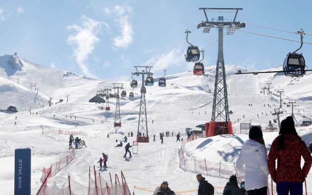 Ski picture id1022290046?b=1&k=6&m=1022290046&s=612x612&w=0&h=pm mzl1fphyoniljpgtenlxzsc9t8taujx92mwjtedu=