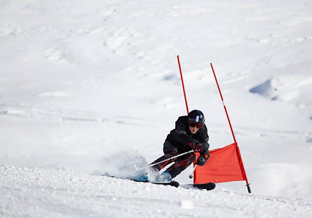 rennläufer - skirennen stock-fotos und bilder