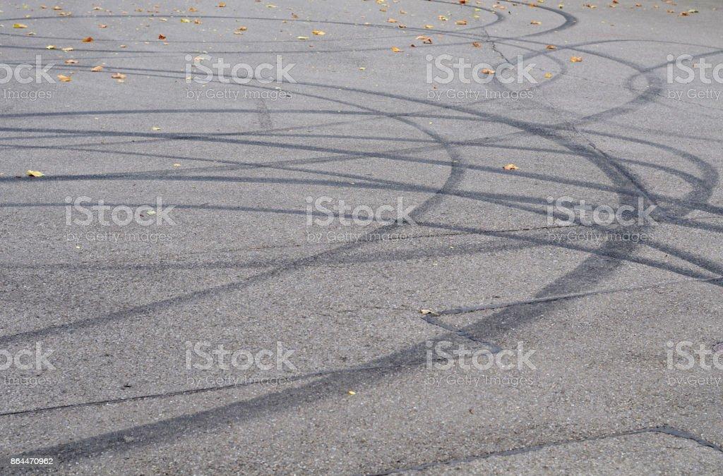 skid marks – Foto