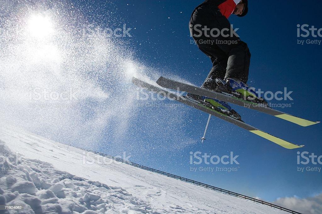 Esquiador en el aire foto de stock libre de derechos