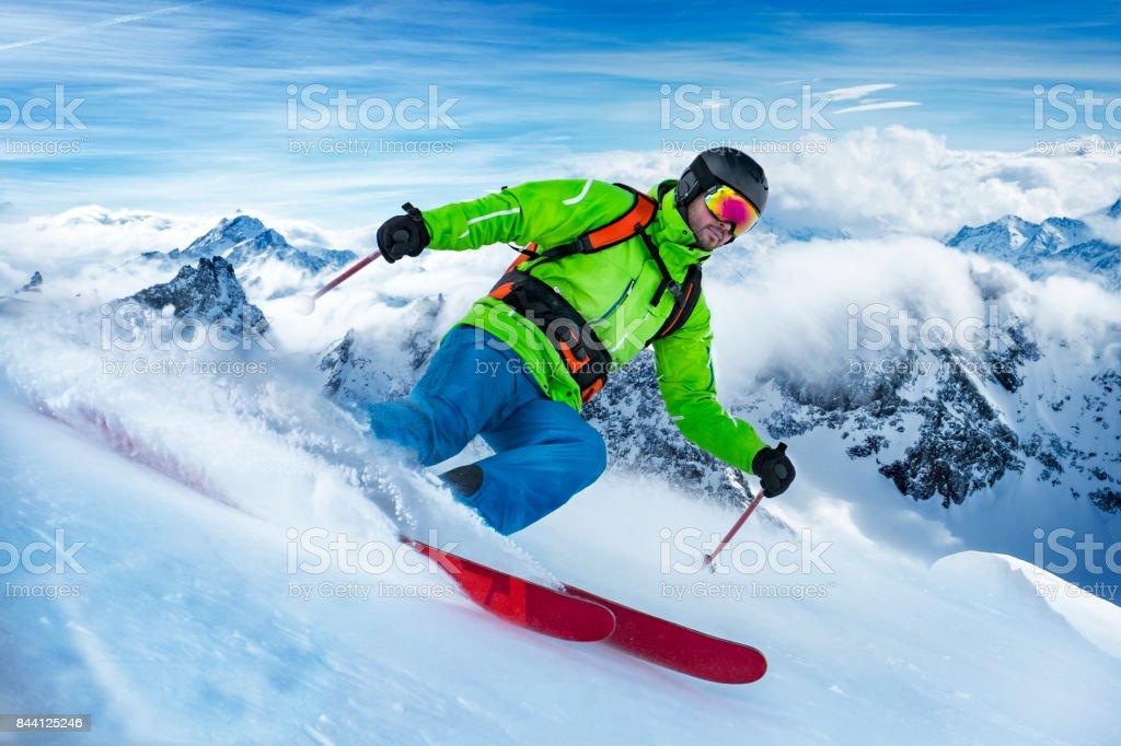 Skifahrer auf den Schnee-Welle – Foto