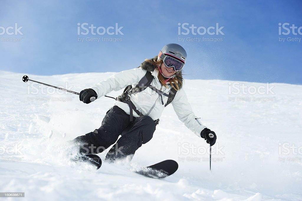 Skifahrer auf verschneiten Hang Ski – Foto