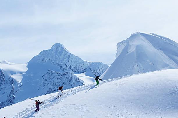 ski de piste enneigée d'escalade - mont baker photos et images de collection