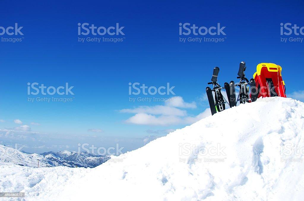 Skiing, winter season , mountains and ski equipments foto