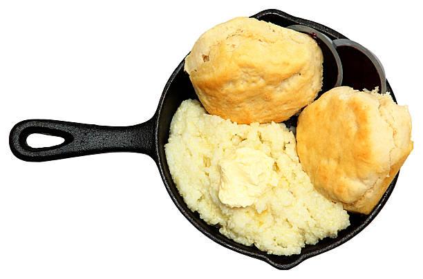 frigideira e biscoitos com creme de manteiga e geleia - rolão - fotografias e filmes do acervo