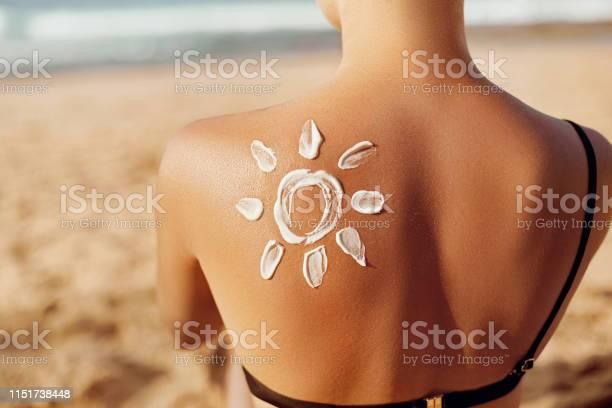 Skin care sun protection woman apply sun cream woman with suntan on picture id1151738448?b=1&k=6&m=1151738448&s=612x612&h=4ya6d9d5q vzzpquxww3h tu pgmkisr2sva f5yape=