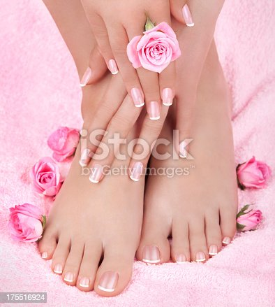 istock Skincare of a beauty female feet 175516924