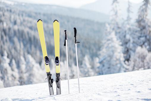 Skis on the snowy mountains