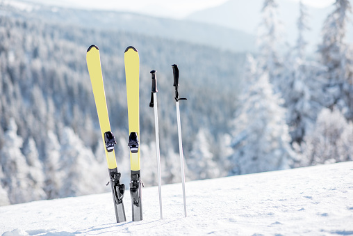 Skis on the snowy mountains