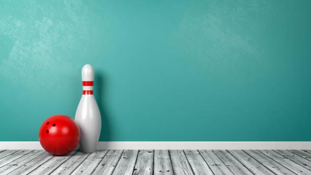 verwarmd met bowling bal op de kamer - bowlen stockfoto's en -beelden