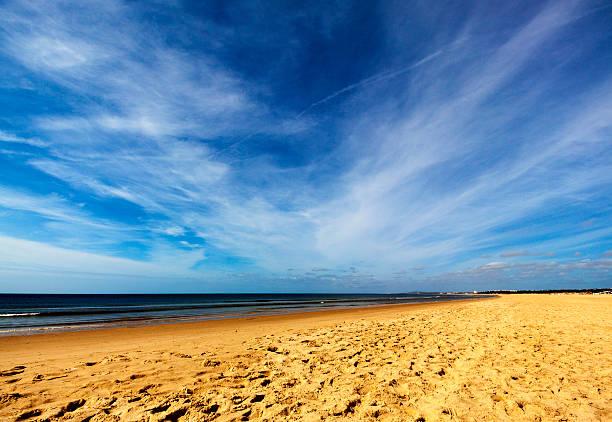 Himmel und Strand im Sommer – Foto