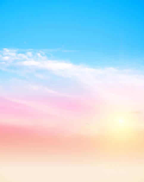 Himmel und Wolken vertikale Foto – Foto