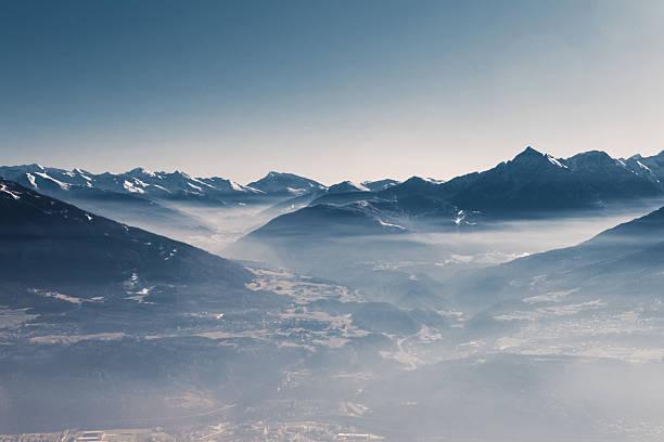 스카이 및 산 - mountain top 뉴스 사진 이미지