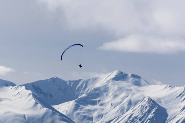 Sky gliding in winter mountains - foto stock