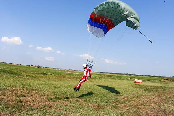skydiving fotografía. - aterrizar fotografías e imágenes de stock