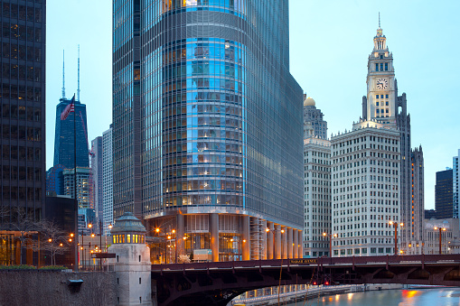Skyine of downtown with Trump Tower, Wabash Avenue over Chicago river and Wrigley Building.