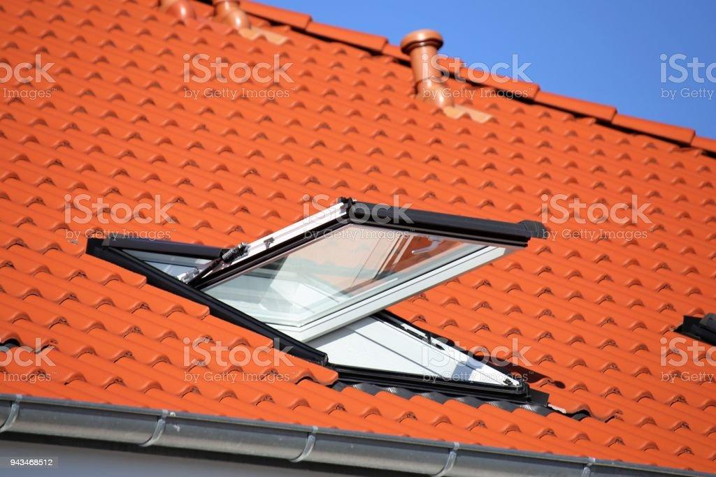 Oberlicht auf ein Wohnhaus – Foto
