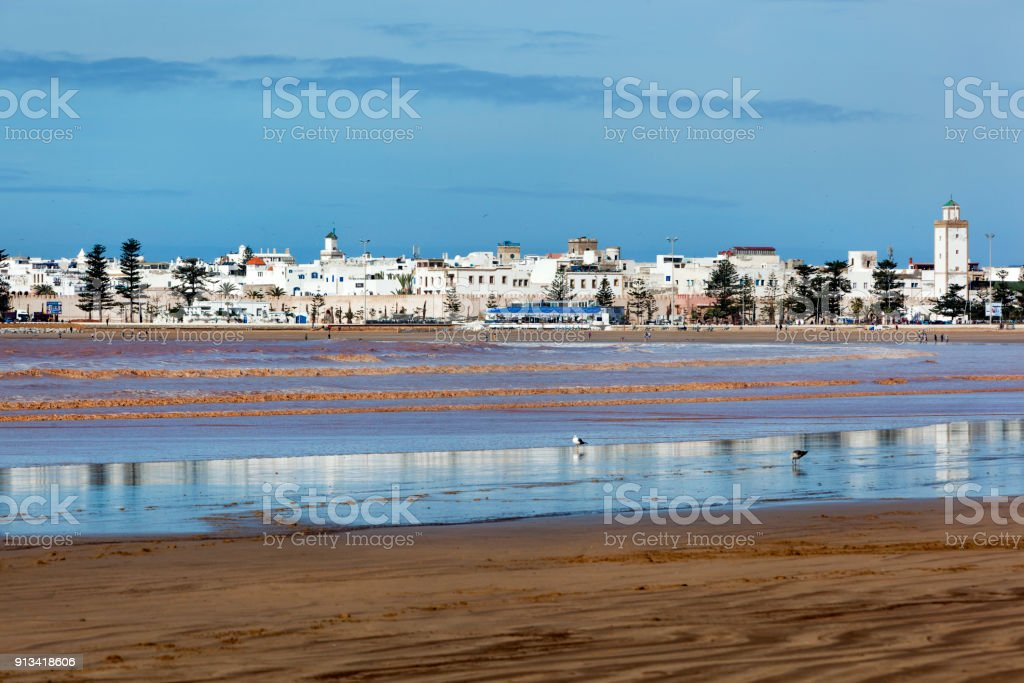 Skyline en strand van Essaouira foto