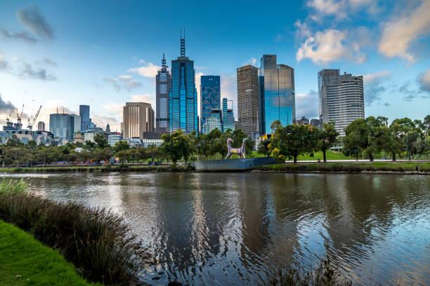 Skyline Melbourne, Australien vor Sonnenuntergang. – Foto