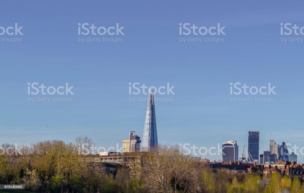 Ligne d'horizon de Londres de Burgess Park photo libre de droits