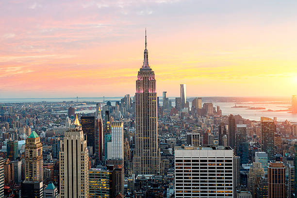 Skyline of New York with the Empire State Building Skyline of New York with the Empire State Building empire state building stock pictures, royalty-free photos & images