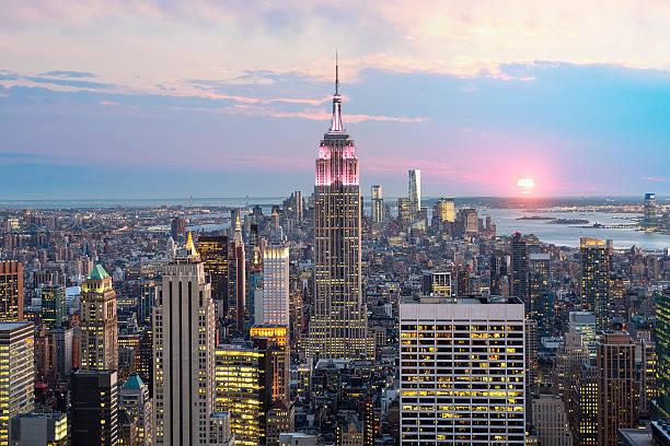 Die Skyline von New York City mit Empire State Building – Foto