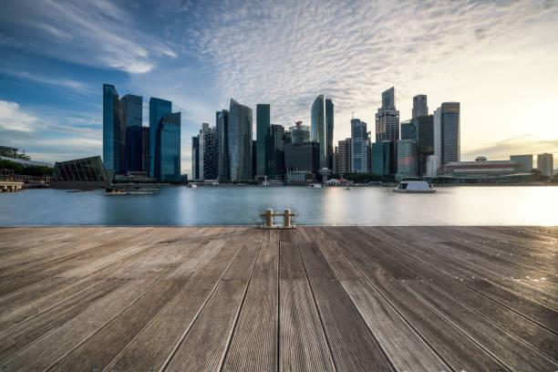 Skyline von Singapur auf einem schönen Sonnenuntergang  – Foto
