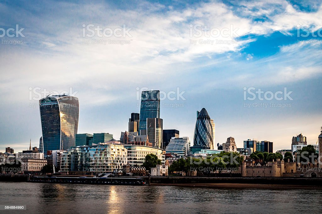 Skyline of The City in London, England during the day – Foto
