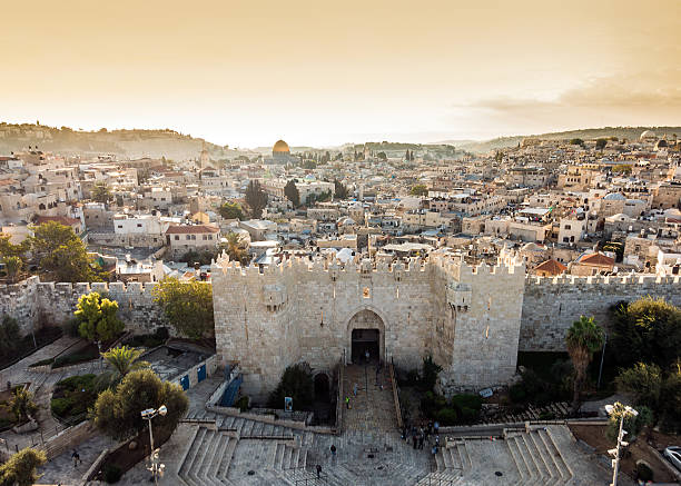 skyline of the old city in jerusalem from north, israel. - jeruzalem stockfoto's en -beelden