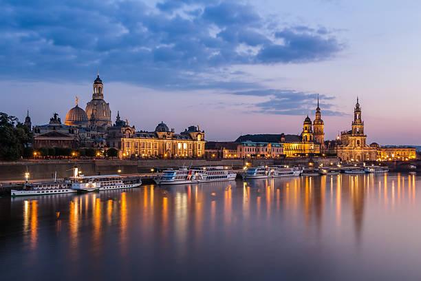 Skyline zu Dresden Uhr Night – Foto