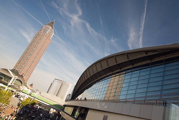 wolkenkratzer - ausstellungen frankfurt stock-fotos und bilder