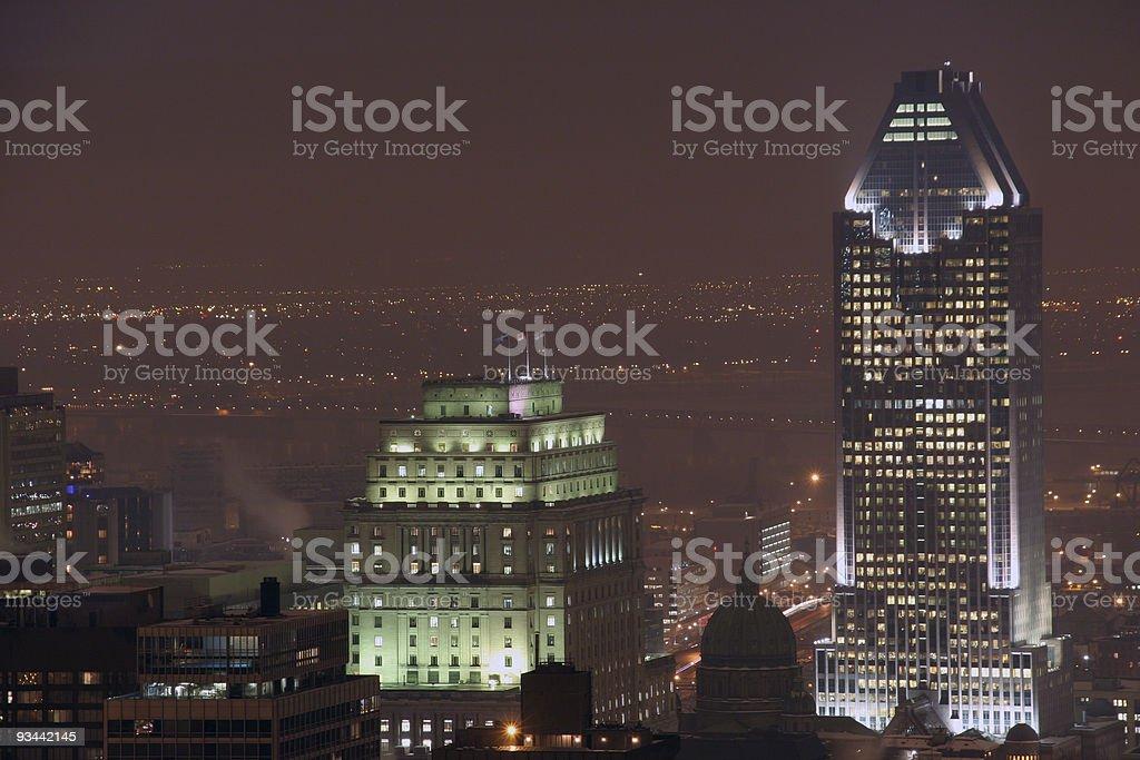 Wolkenkratzer bei Nacht-Montreal Lizenzfreies stock-foto