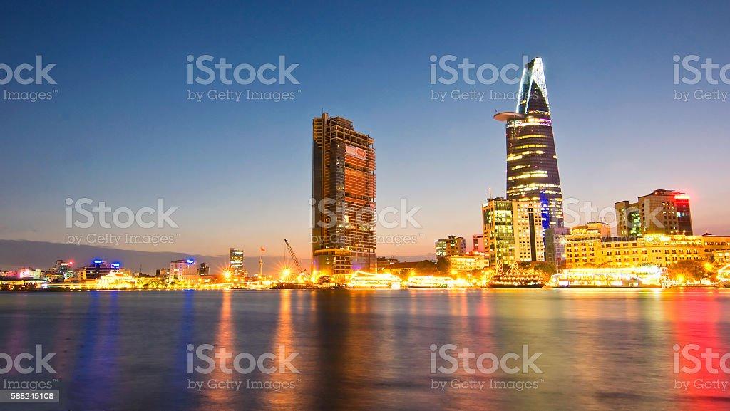 高層ビルのビジネスセンターでは、ホーチミンシティ,ベトナム ロイヤリティフリーストックフォト