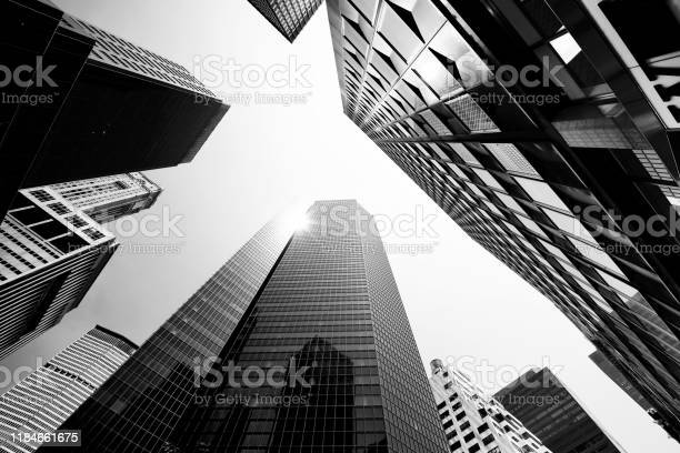 Skyscrapers From Below Lower Manhattan - Fotografias de stock e mais imagens de Abaixo