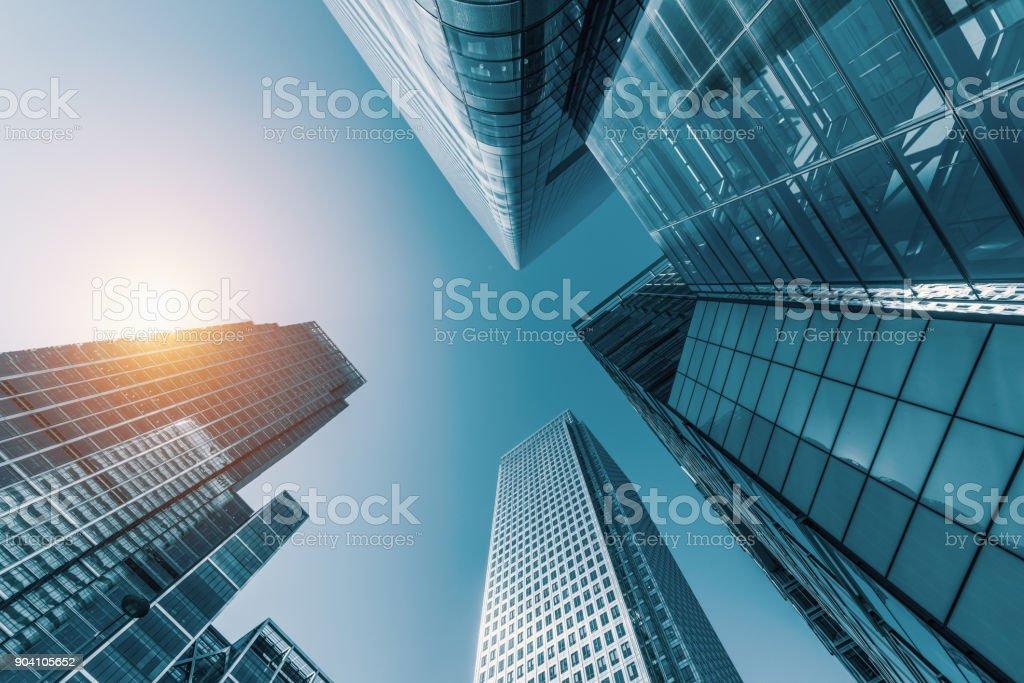 Wolkenkratzer in ein Bankenviertel Lizenzfreies stock-foto