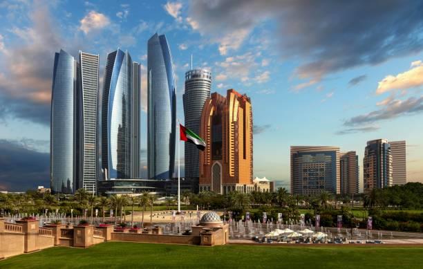skyscrapers in abu dhabi - abu dhabi стоковые фото и изображения