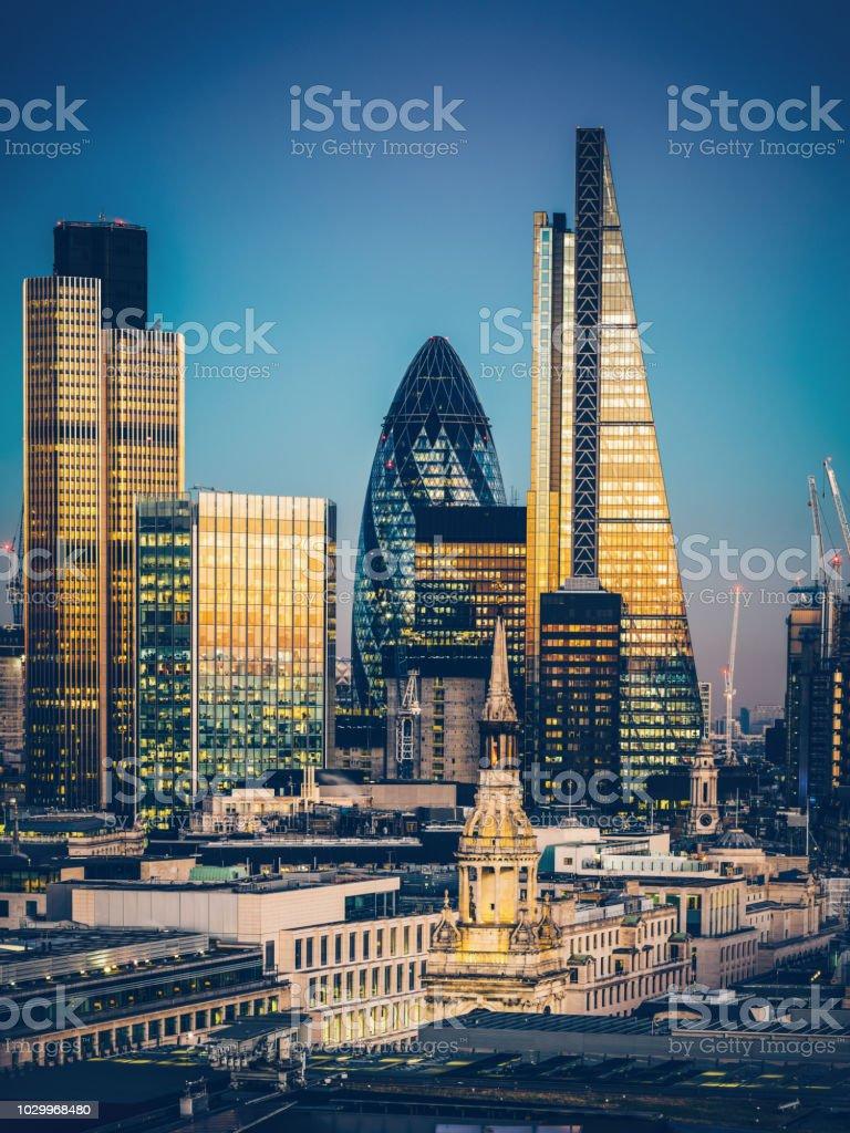 Wolkenkratzer in der Innenstadt von London – Foto