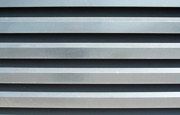 Slatted cubierta de refrigeración en planta - foto de stock