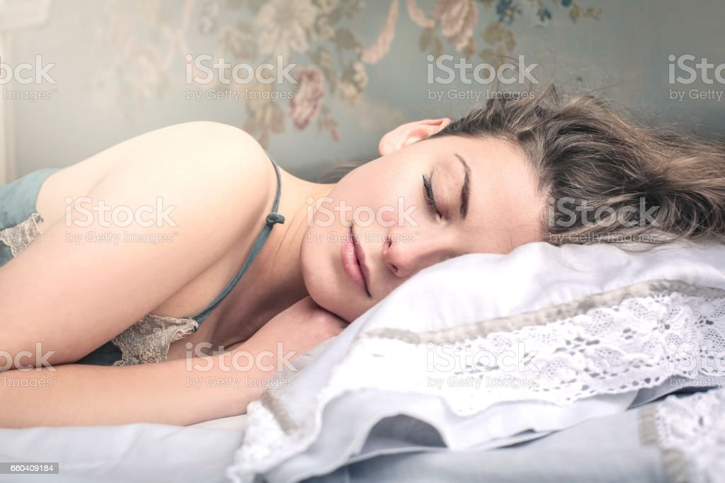 Sleeping , beautiful woman – zdjęcie