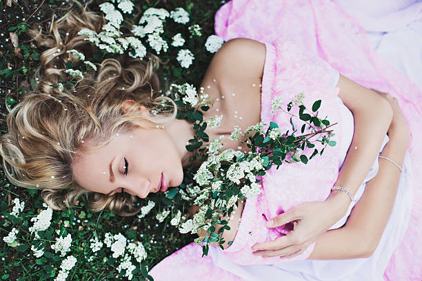Sleeping Beauty In The Garden - foto de stock