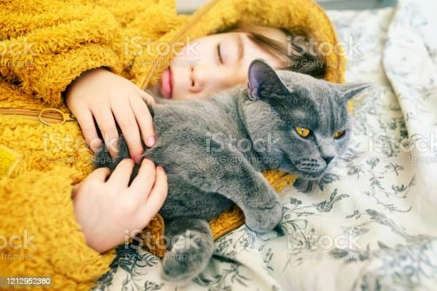 Sleeping child with his cat picture id1212952380?b=1&k=6&m=1212952380&s=612x612&h=plqrykuzhgikccsbirxrfi7ik6lkwav3crjvyollcuq=