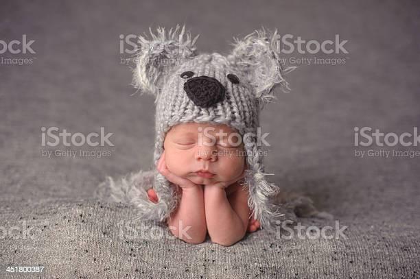 Sleeping newborn wearing hat picture id451800387?b=1&k=6&m=451800387&s=612x612&h=cvfqkwjd bp2ur6iwy3pfkrvrypjuh4zmp0dmybj70e=