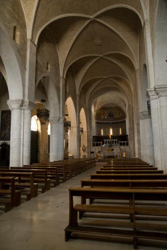 S.Leopardo church interior