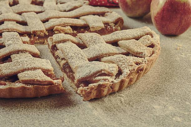 Una porción de tarta de manzana - foto de stock