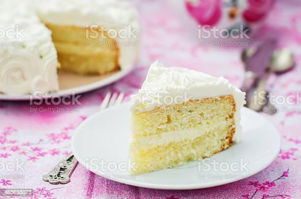 Kuchen Mit Vanilleeis In Form Von Rosen Stockfoto und mehr Bilder von 2015