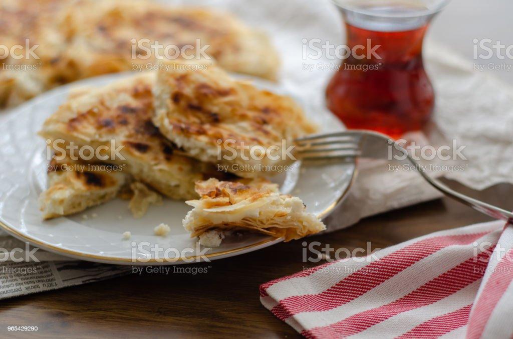 Tranches de pâte de fromage sur la table - Photo de Aliment libre de droits